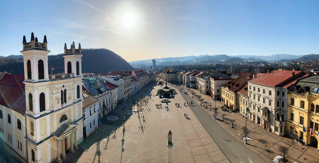 Tie naj budovy zo Slovenska: Najšikmejšia stavba je veža z Banskej Bystrice