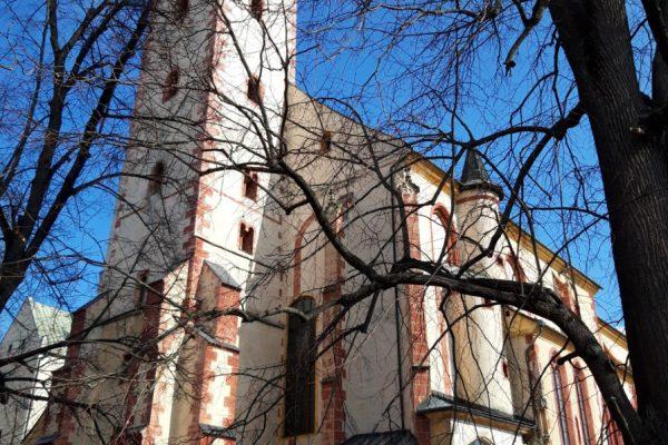 Komentované prehliadky kostolov v hradnom areáli